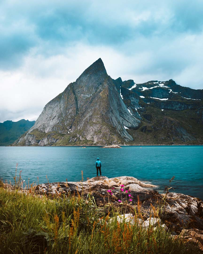 Photography with stunning view of mountain in Norway Lofoten